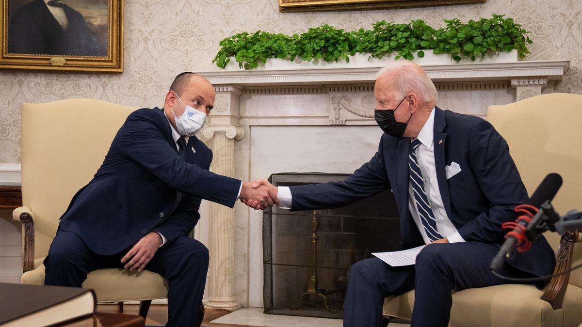 Joe Biden y el primer ministro de Israel, Naftali Bennett.