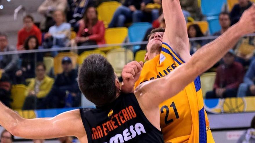 El Gran Canaria atropella a un tierno Valencia Basket