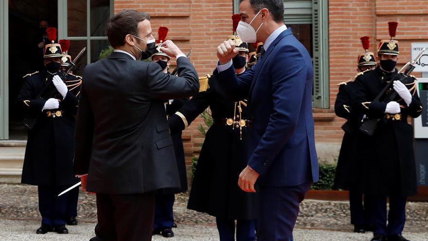 Sánchez aprende de Macron
