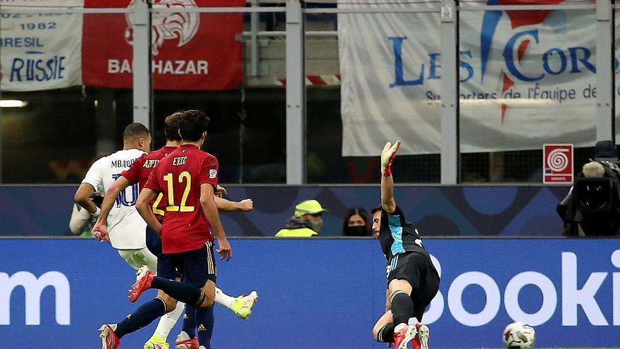 Busquets asegura que Mbappé está en fuera de juego