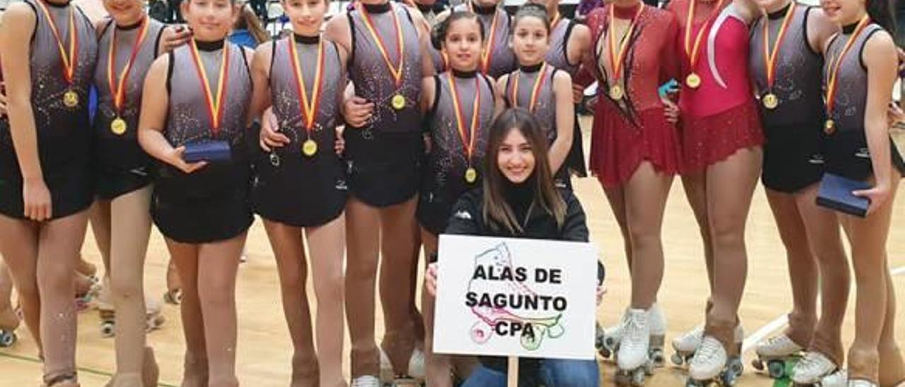Patinadoras del Alas que competieron en Llíria.