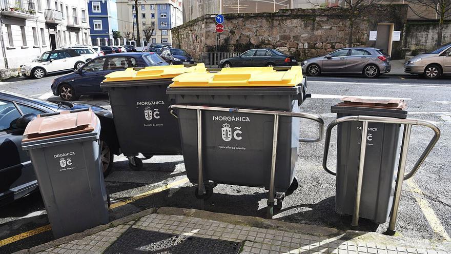 Todos los contenedores de basura de la ciudad contarán con chips para controlar su llenado