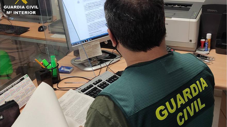 La Guardia Civil desarticula una banda que estafaba a agricultores de la Vega Baja