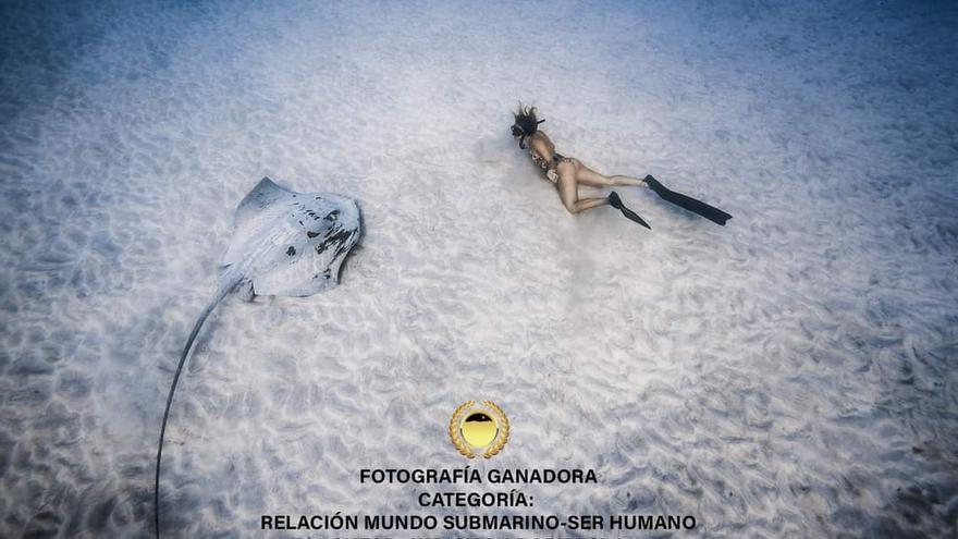 Marcos González y Sacha Lobestein, ganadores del Fotosub Mar de Lava