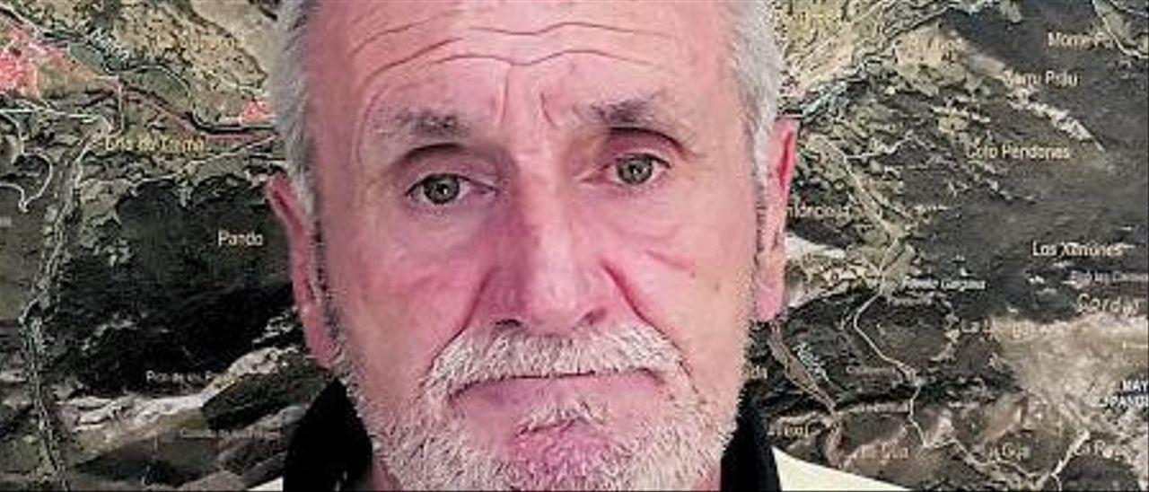 """El alcalde de Caso insta a """"quitar de una vez"""" el antiguo tendido eléctrico de Lada-Velilla"""