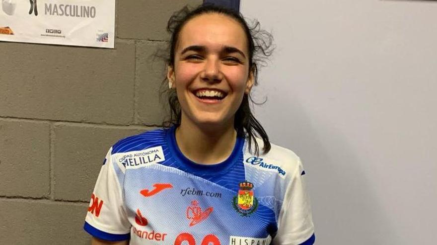 Elba Álvarez recibe la llamada de la selección nacional de balonmano para acudir a Torrelavega