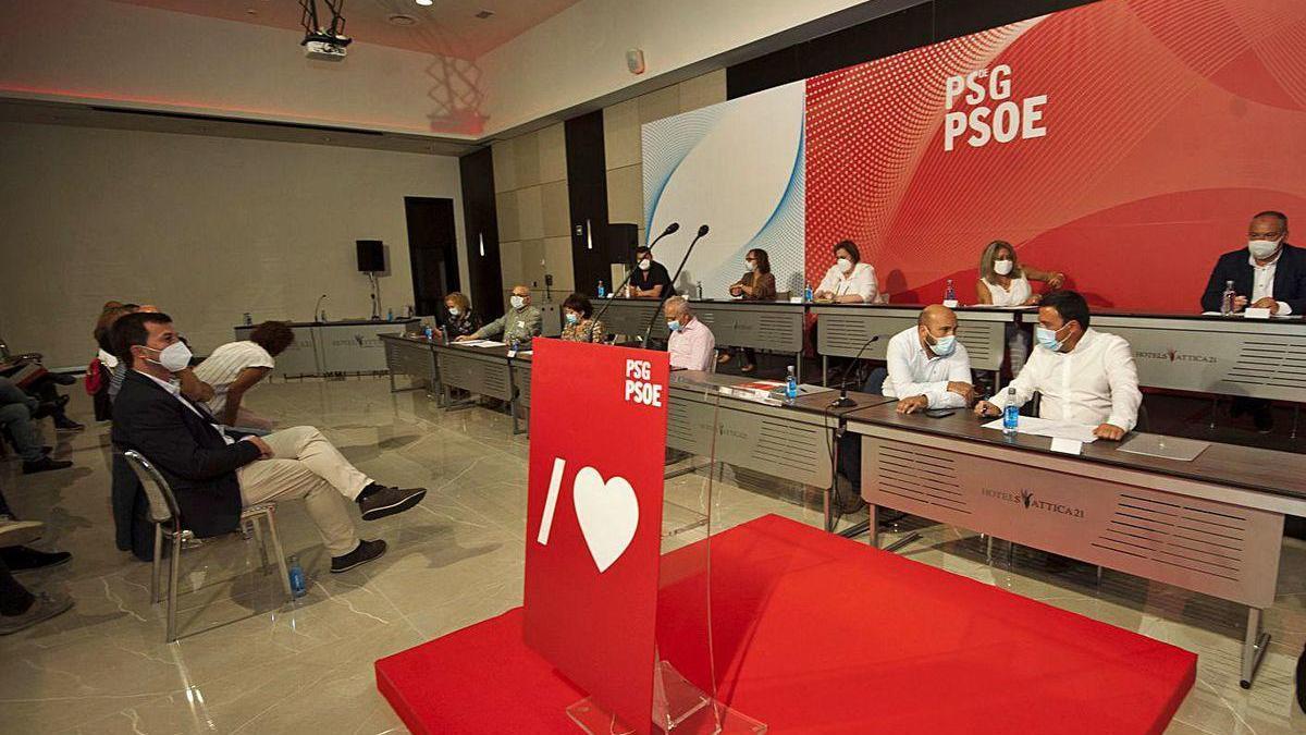 Reunión del comité provincial del PSOE de A_Coruña, a la que asistió Caballero.