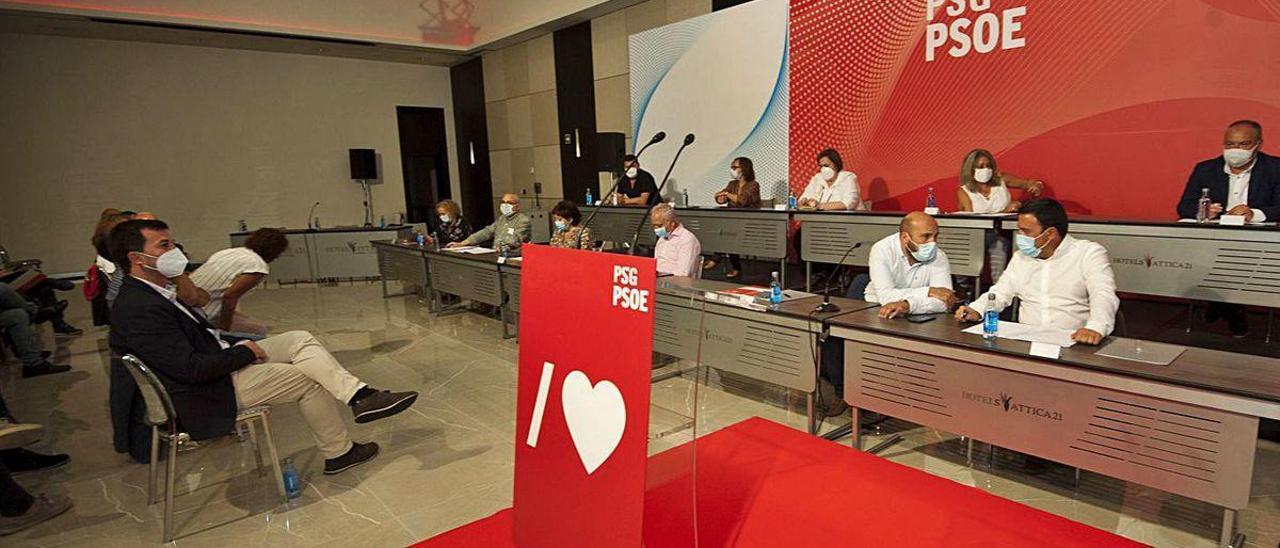 Los socialistas coruñeses tensan el pulso con Caballero al exigirle responsabilidades por el 12-J