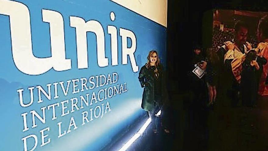 Zamoranos en el mundo: Nueva comunicación en el país andino