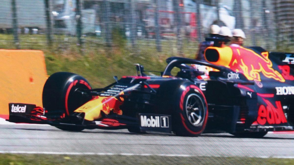Un Red Bull durante una carrera de Fórmula 1.