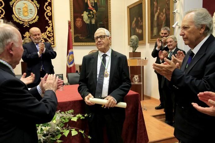 Delia Padrón Acto miembro de honor Martín Chirino en la Real Academia Canaria de las Bellas Artes