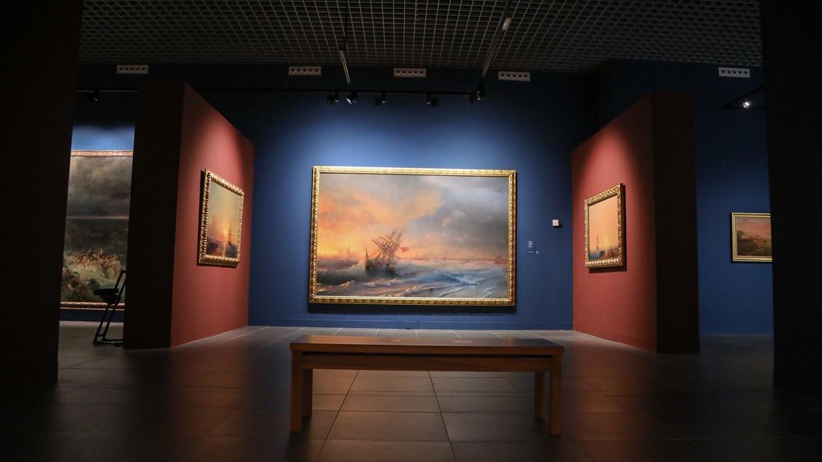 Exposición de los cuadros del Museo Ruso en Málaga.