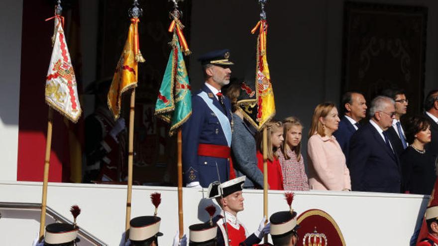 Miles de personas reivindican la unidad de España en el desfile del 12 de Octubre