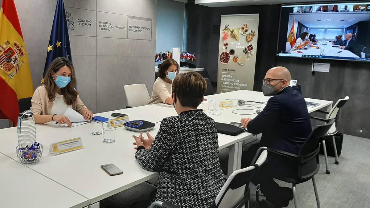 Reunión del sector del calzado con la secretaria de estado de Comercio
