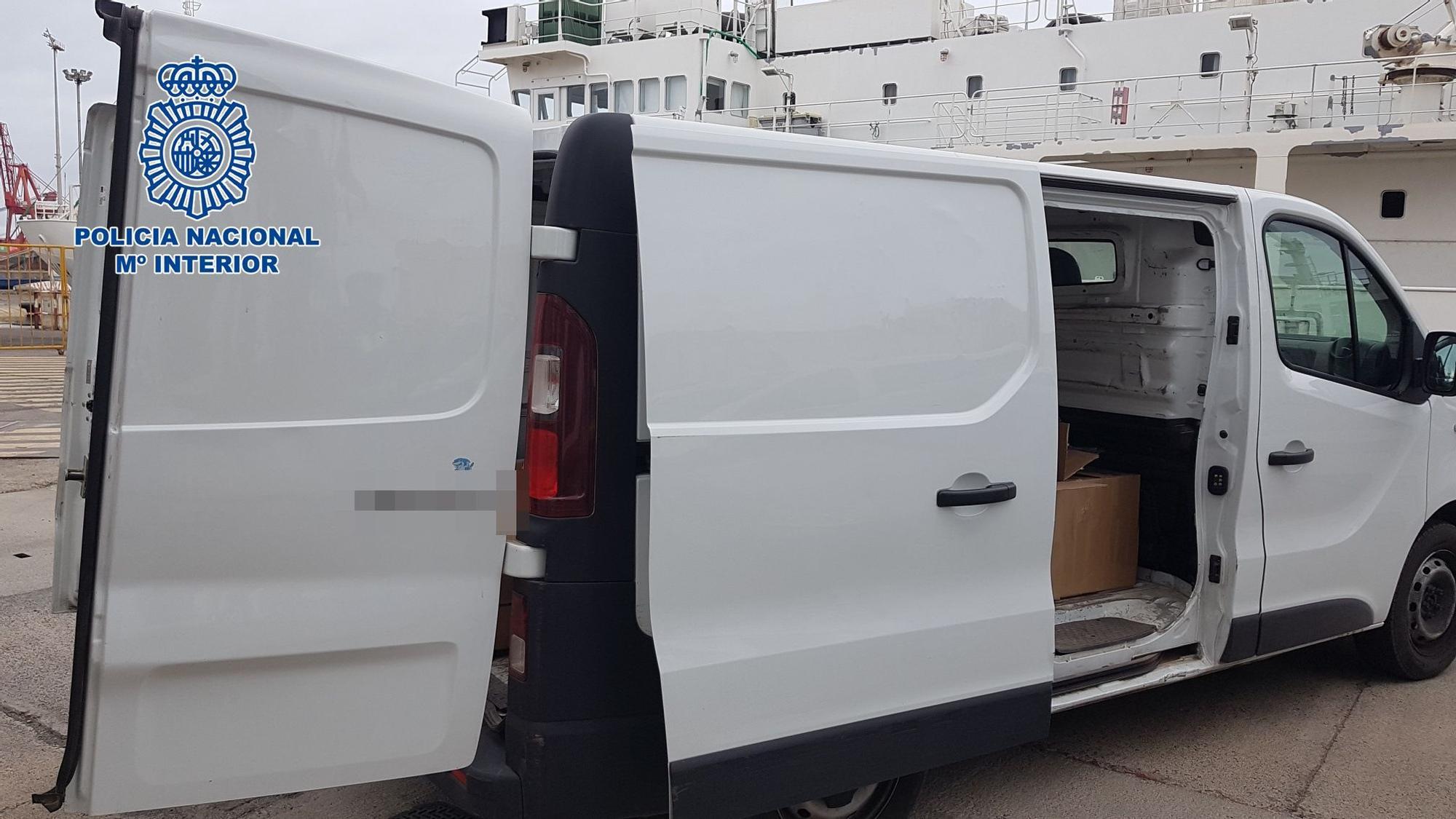 300 kilos de hachís en un furgón en el Puerto de La Luz