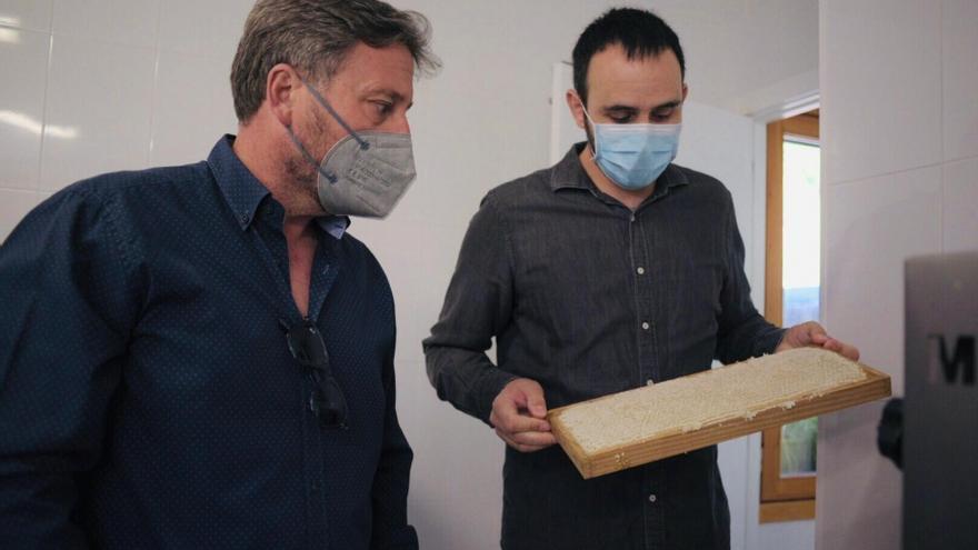 Dulce regreso a San Juan de Plan: un proyecto apícola para volver al territorio