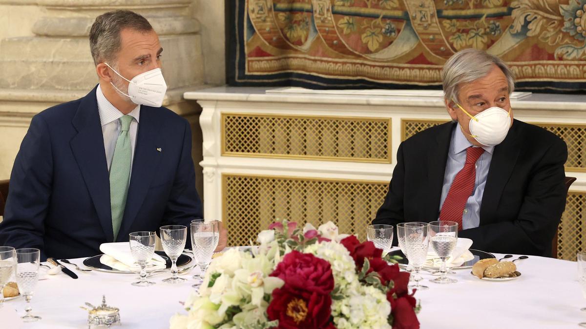 Felipe VI durante la comida en honor a António Guterres,