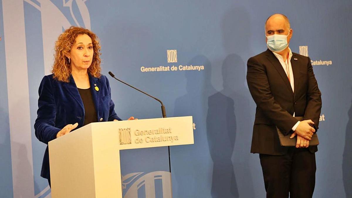 La consellera de Justícia, Ester Capella, i el president de Comertia, David Sánchez