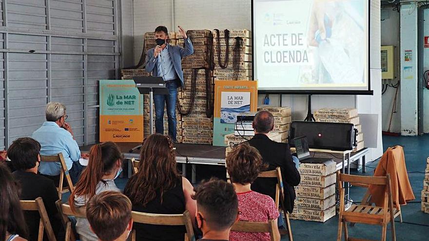 Escolars de l'Alt i el Baix Empordà i la Selva aporten idees en la lluita contra els residus marins