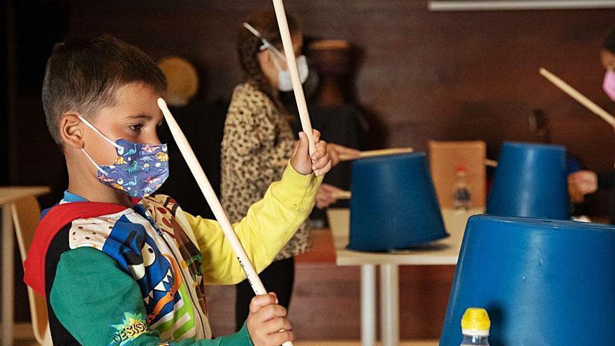 Los pequeños zamoranos aprenden las diferentes músicas del mundo