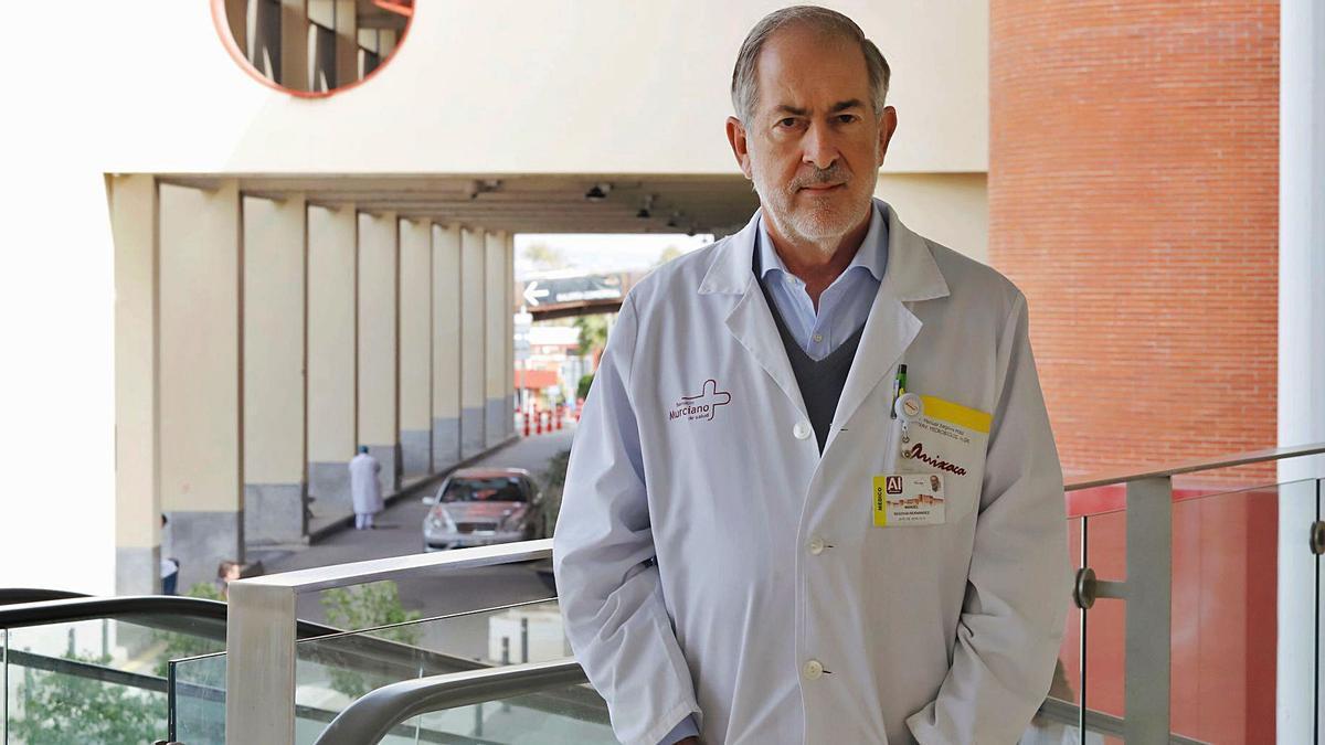 Manuel Segovia, jefe del Servicio de Microbiología del Hospital Virgen de la Arrixaca de Murcia.