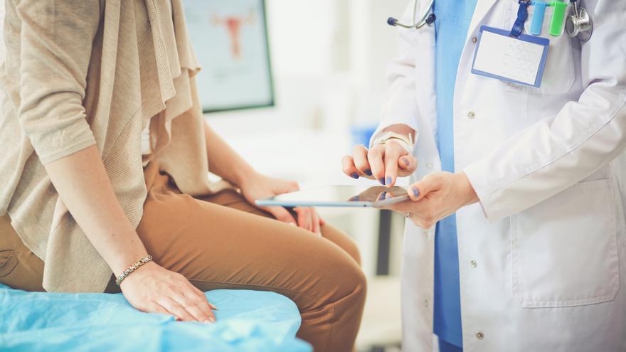 """La opinión de una médica de atención primaria: """"Basta de decisiones más políticas que sanitarias"""""""