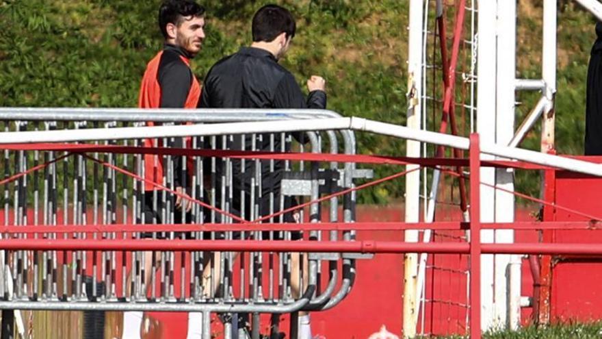 Campuzano y Guille Rosas se entrenan en el campo 1 con vistas al derbi