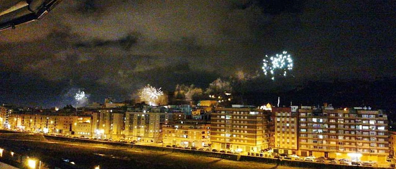 Una imagen del castillo por sorpresa del pasado 19 de marzo. | LEVANTE-EMV