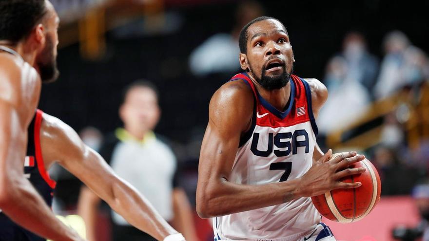 Els Estats Units s'emporten un or en bàsquet més ajustat del previst