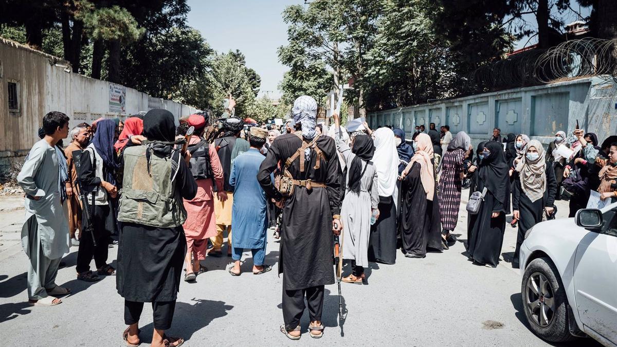 Protesta frente a la Embajada de Pakistán en Kabul.