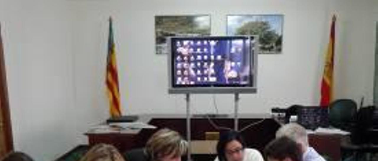 La reunión, ayer en el municipio de Penyagolosa.