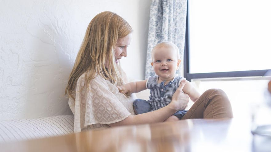 El 30% de los españoles tienen su primer hijo a los 35 años ¿Cuánto influye el 'retraso de la maternidad' a la hora de ser padres?