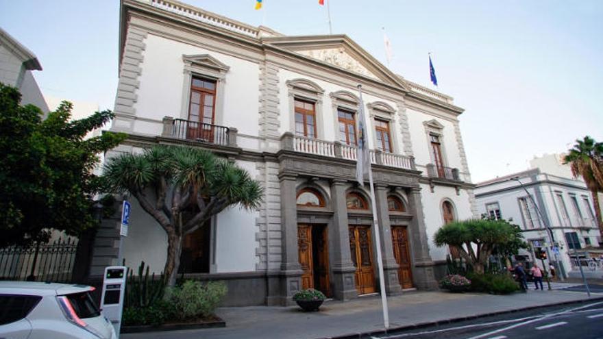 Santa Cruz reivindica los 33 millones del Fdcan para paliar la crisis en Canarias