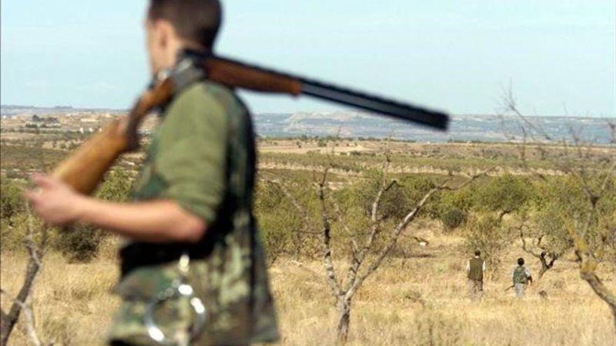 Muere un cazador en Zaragoza de un disparo en el estómago