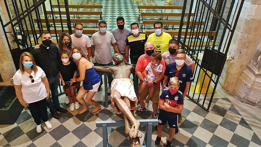 Trasladan el Cristo de Morales de la ermita a la iglesia con motivo del COVID-19