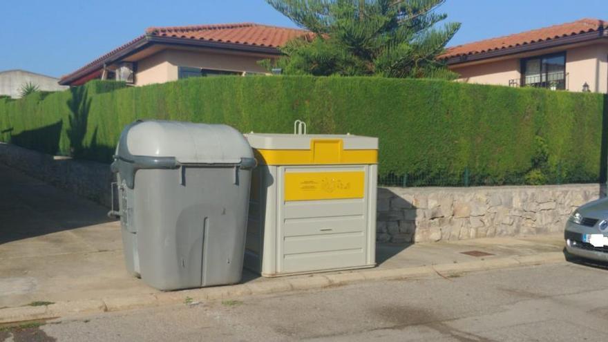 Riba-roja instala 45 nuevos  contenedores para reforzar el reciclaje de papel y cartón