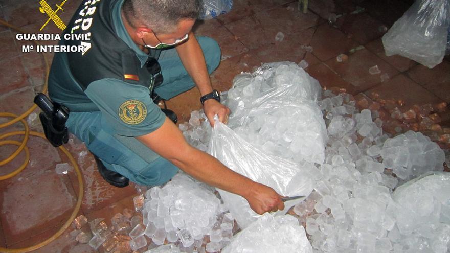 Cesan la actividad de una empresa murciana que vendía hielo sin cumplir las medidas sanitarias