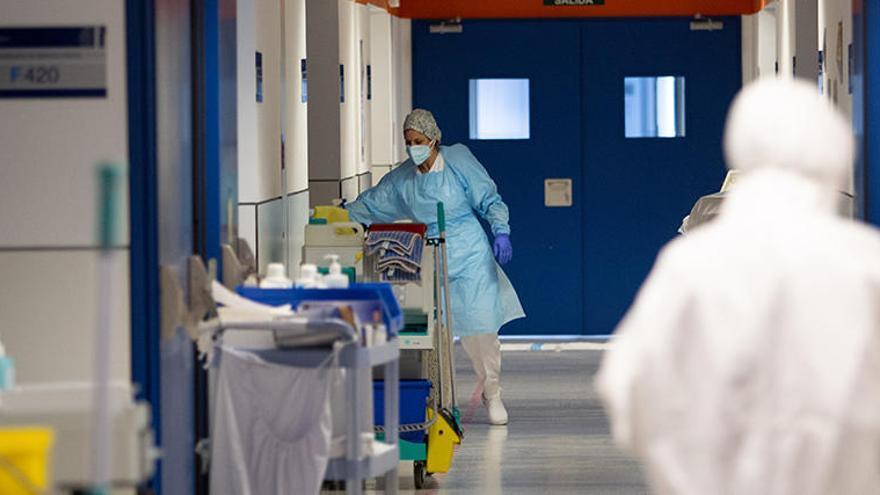 Menos casos de coronavirus en Ibiza y un reingreso en la UCI