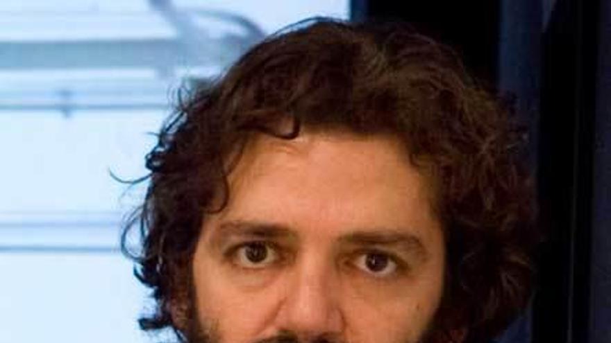 """El artista asturiano Pablo de Lillo inaugura la exposición """"Souvenir"""""""