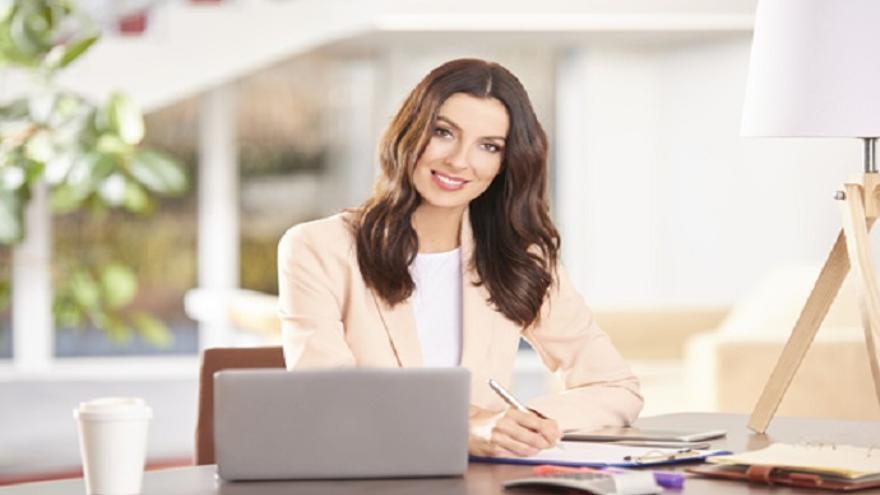 Asesores comerciales, botones o dentista son algunos de los perfiles que se demandan ahora mismo en las ofertas de empleo en Mallorca
