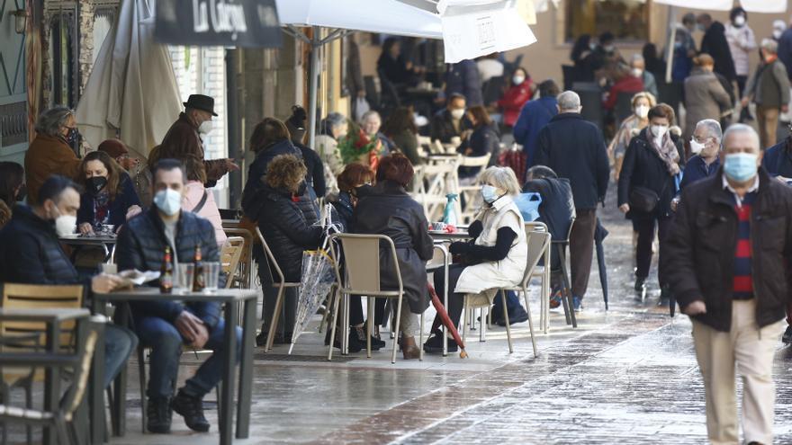Salud mantiene cerrado Gijón y abre Siero, Mieres y San Martín del Rey Aurelio