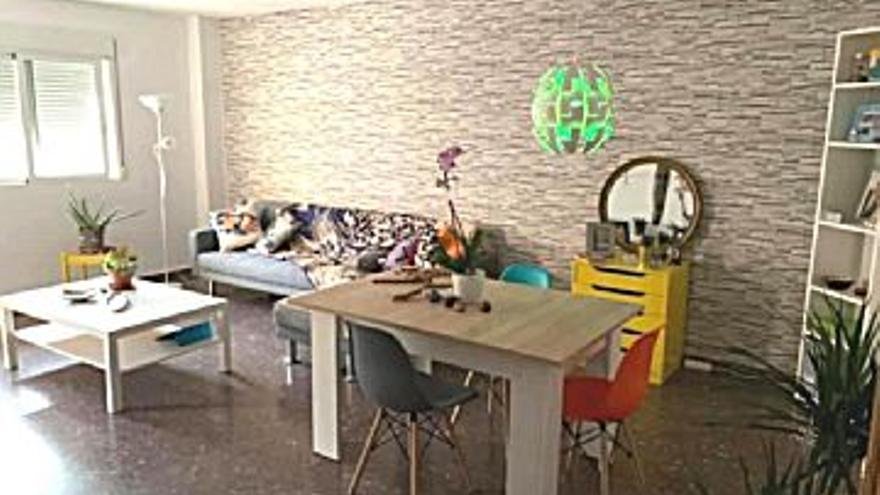 133.000 € Venta de piso en Puerto de Sagunto 110 m2, 3 habitaciones, 2 baños, 1.209 €/m2...