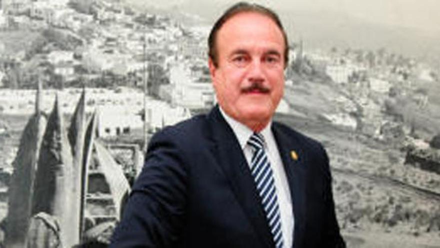Investigan si un alcalde de Gran Canaria suplantó a su hijo en una oposición