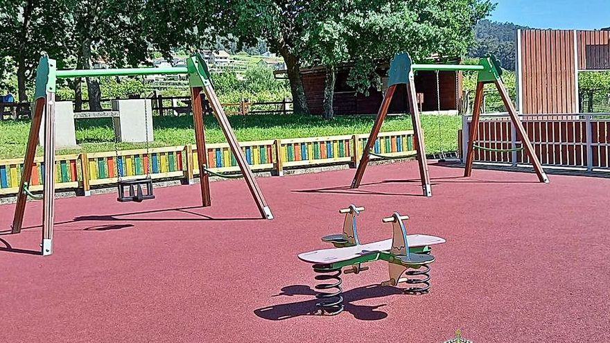 Los meañeses ya pueden disfrutar de la remozada área recreativa de O Barreiro