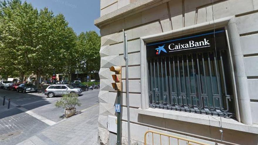 CaixaBank i Bankia tenen oficines quasi a tocar en catorze municipis gironins