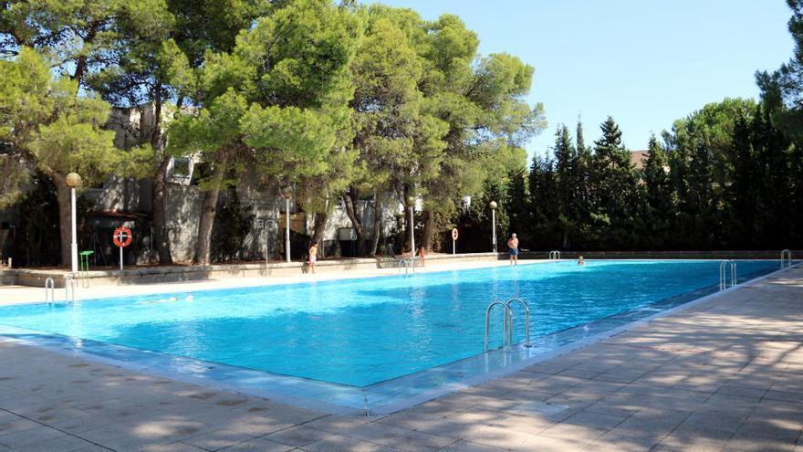 El Síndic considera que prohibir el topless a les piscines discrimina les dones i limita la llibertat d'expressió