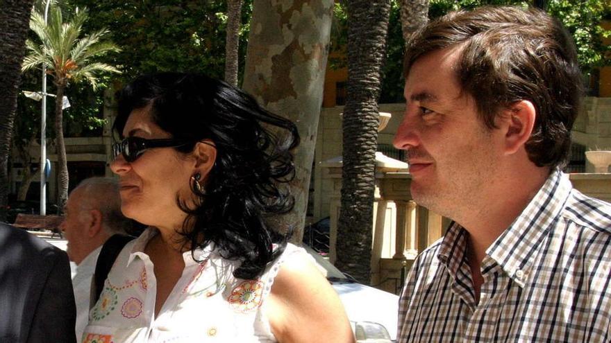 La hija de Almudena Grandes y Luis García Montero, número 4 de la Falange para las elecciones madrileñas
