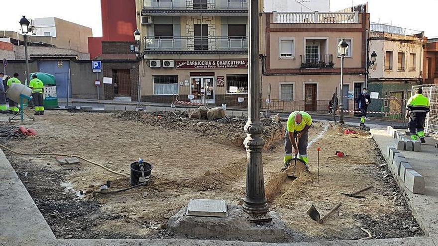 Paterna mejora vías y espacios públicos de barrios y polígonos