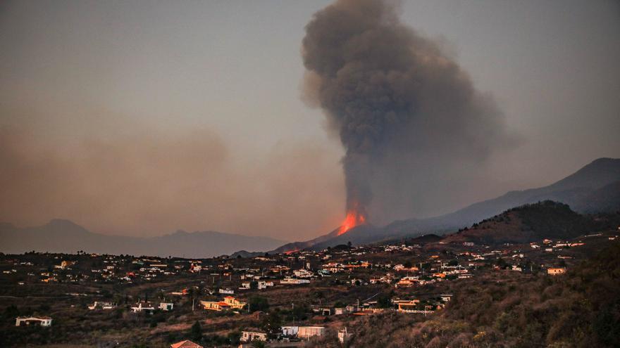 Los Llanos recibe más de 1,2 millones en donaciones para ayudar a los damnificados por el volcán de La Palma