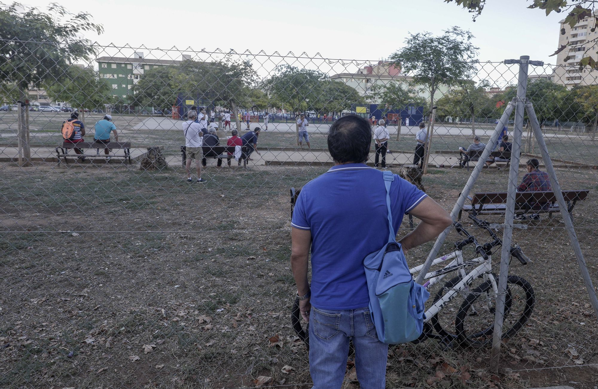 Vecinos del parque Wifi denuncian que continúan haciendo botellones